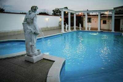 Villa spacieuse avec piscine privée à Anzio en Italie