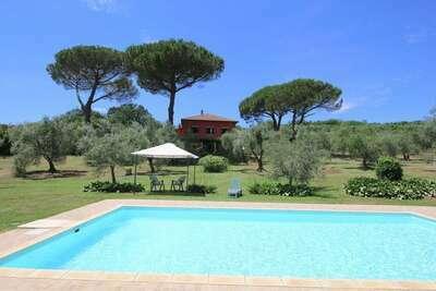 Villa moderne avec piscine à Manziana