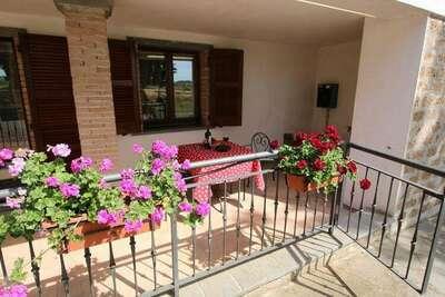 Ferme spacieuse à Bagnoregio avec piscine