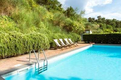 Villa spacieuse avec piscine privée à Sermugnano