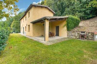Charmante villa avec jardin privé à Sermugnano près de Rome
