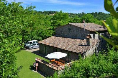 Villa rustique située à Sermugnano à proximité du lac