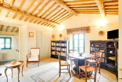Magnifique villa avec piscine commune à Sermugnano