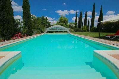 Villa luxueuse avec piscine privée à San Venanzo