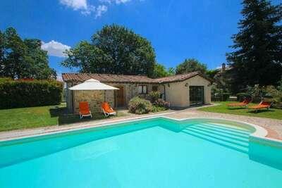Villa Fiorella Cinque, Location Villa à San Venanzo - Photo 1 / 28