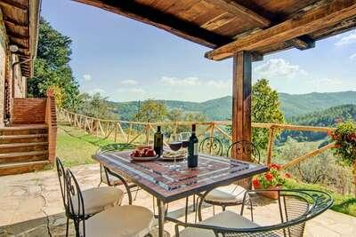 Ferme confortable avec jardin à Monte Santa Maria Tiberina