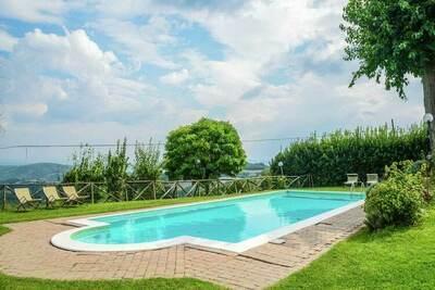 Majestueuse maison de vacances avec piscine en Ombrie