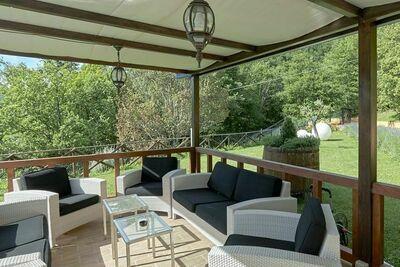 Maison de vacances cosy à Valtopina avec piscine privée