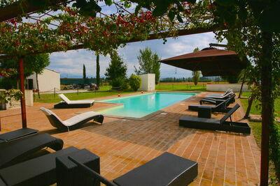 Appartement de luxe dans une ferme en Italie avec piscine