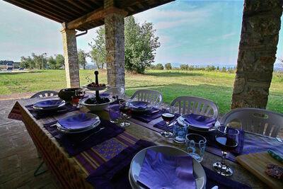 Magnifique Villa à Torri, avec Piscine