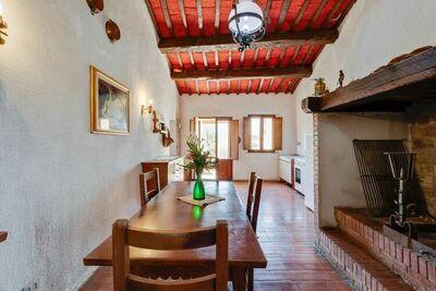 Ancienne ferme avec piscine à Castiglione del Lago