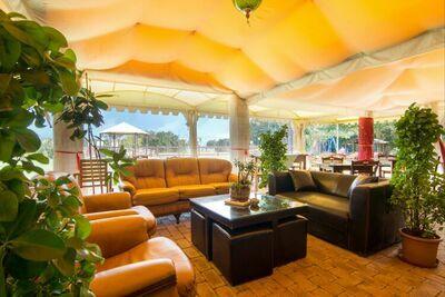 Maison de vacances près du lac Trasimène, deux piscines et espace spa