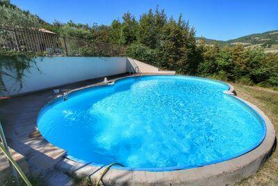 Maison de vacances attrayante avec piscine à Assise