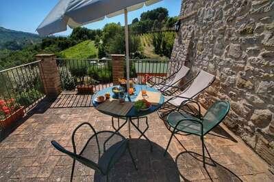 Maison de vacances pittoresque à Assise avec piscine