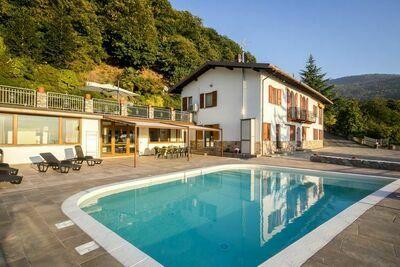 Magnifique demeure avec piscine privée à Pisogne