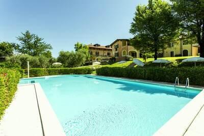 Maison de vacances confortable à Manerba del Garda, piscine