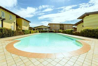 Luxueuse maison de vacances à Manerba del Garda avec piscine
