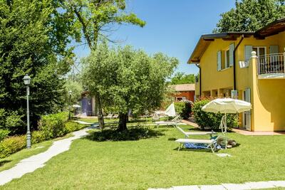 Maison de vacances moderne à Manerba del Garda, avec jardin