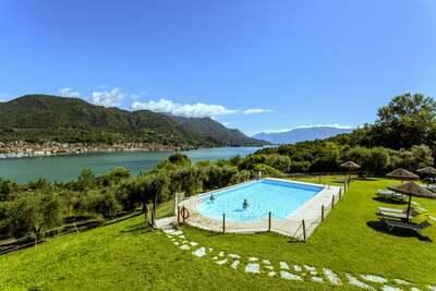 Luxueuse maison de vacances avec piscine à Salò