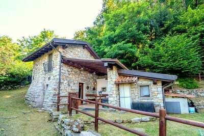 Cottage de campagne à Montorfano, près du lac