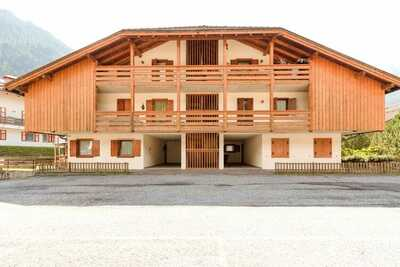 Chalet spacieux avec jardin près des pistes dans le Tyrol