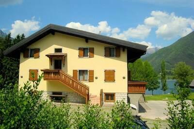 Charmante maison de vacances près du lac Ledro pour 6, parc