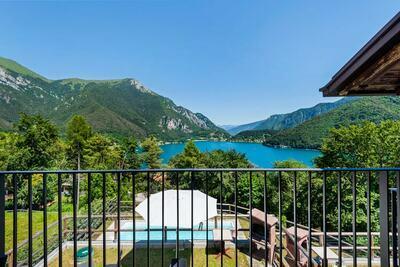 Maison de vacances à Molina di Ledro avec piscine