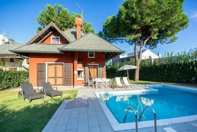 Villa avec belle piscine privée à Isola di Albarella