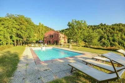Villa luxueuse à Tredozio en Toscane avec vue panoramique