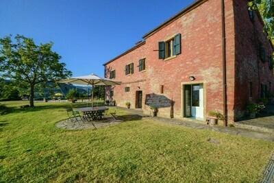 Vaste villa avec vue imprenable sur l'Émilie-Romagne