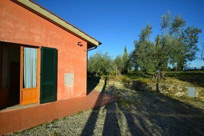 Maison de vacances cosy avec jardin à Montespertoli