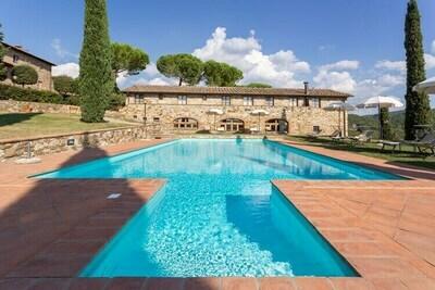 Charmant Gîte avec piscine à Tavarnelle Val di Pesa