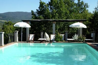 Luxueuse maison de vacances avec piscine à Montecarelli