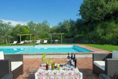 Charmante ferme à Badia a Cerreto avec piscine