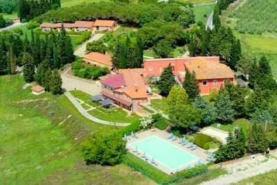 Grande maison de vacances avec jardin à Montaione