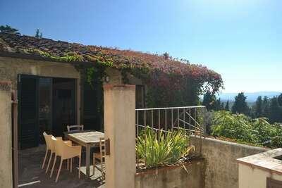 Maison de vacances à Pelago en Italie avec piscine et sauna