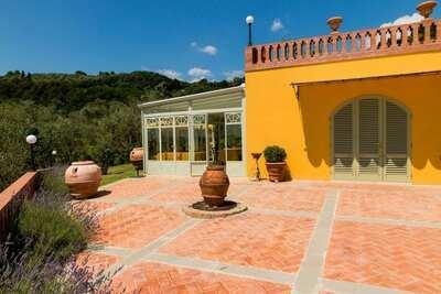 Ferme piscine adaptée enfants Montecatini Terme