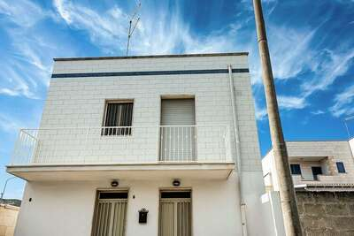 Maison de Vacances Séduisante à Torre Ovo avec Terrasse