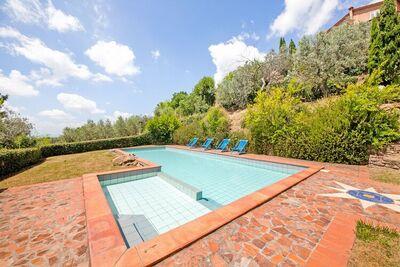 Maison de vacances confortable à Lamporecchio avec piscine