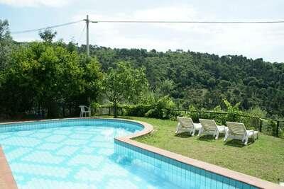 Maison de vacances spacieuse avec piscine à Lamporecchio