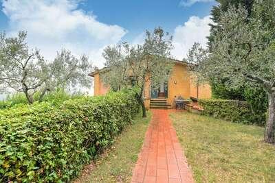 Appartement panoramique avec jardin privé à Lamporecchio