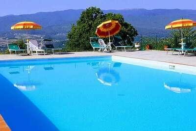 Exquise Ferme en Toscane, à Poppi, avec piscine