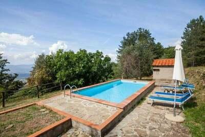 Ferme rustique à Castelfranco Piandiscò avec vue panoramique