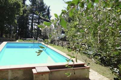 Vaste ferme pour 5 personnes située sur le mont Pratomagno