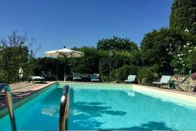 Belle maison de vacances avec piscine à Monterchi
