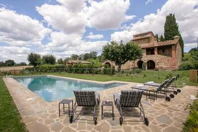 Villa vintage avec piscine située à Lucignano, en Toscane
