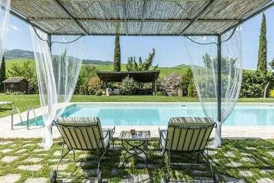 Villa à Castiglione D'orcia en Italie avec piscine privée