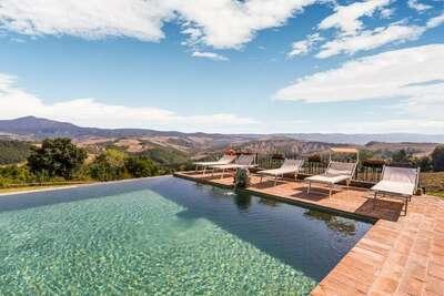 Une ferme entièrement rénovée pour 2 personnes en Toscane