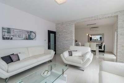 Magnifique appartement à Selce près de Forest