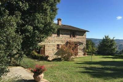 Une grande villa près des vignobles à Radicofani